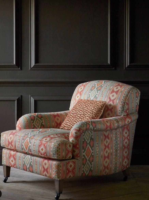 Colefax and Fowler - Chair Delgado - Cushion Wilde